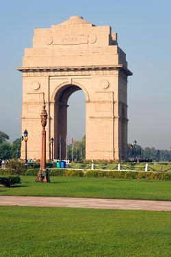 The 42 Metre High India Gate at the Eastern End of the Rajpath, New Delhi, India, Asia by Gavin Hellier