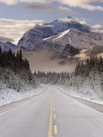 The Icefields Parkway, Banff-Jasper National Parks, Rocky Mountains, Canada by Gavin Hellier