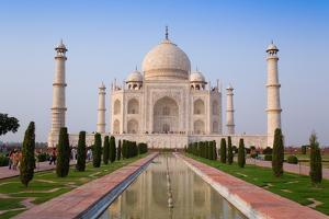The Taj Mahal, UNESCO World Heritage Site, Agra, Uttar Pradesh, India, Asia by Gavin Hellier