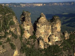 Three Sisters from Echo Point at Katoomba in the Blue Mountains of New South Wales, Australia by Gavin Hellier