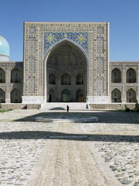 Tilla Kari Madrasa, Registan Square, Samarkand, Unesco World Heritage Site, Uzbekistan by Gavin Hellier