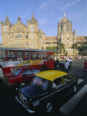 Traffic in Front of the Station, Victoria Railway Terminus, Mumbai, Maharashtra State, India by Gavin Hellier