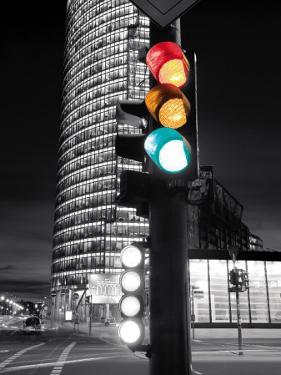 Traffic Lights by Gavin Hellier