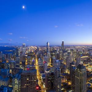 Usa, Illinois, Chicago, Downtown City Skyline by Gavin Hellier