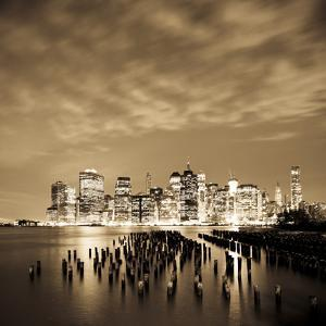 USA, New York, Morning View of the Skyscrapers of Downtown Manhattan from the Brooklyn Heights Neig by Gavin Hellier