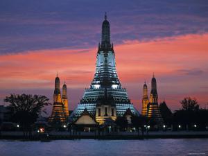 Wat Arun, Bangkok, Thailand by Gavin Hellier