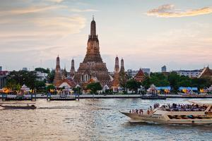Wat Arun (Temple of the Dawn) and Chao Phraya River at Sunset by Gavin Hellier