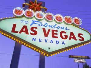Welcome to Las Vegas Sign, Las Vegas, Nevada, USA by Gavin Hellier