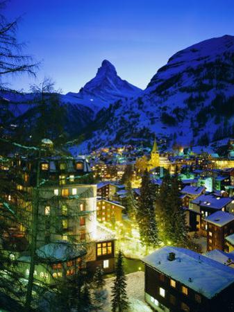 Zermatt and the Matterhorn Mountain in Winter, Zermatt, Swiss Alps, Switzerland, Europe by Gavin Hellier