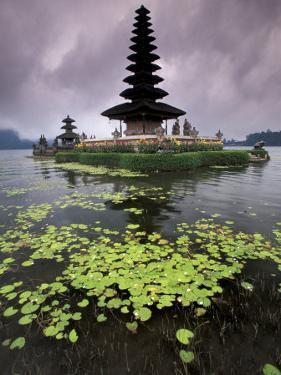 Ulun Danu Temple, Bali, Indonesia by Gavriel Jecan