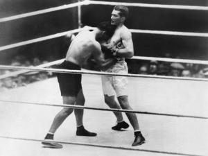 Gene Tunney-Jack Dempsey Boxing Match or the 'Long Count Fight' of Sept. 22, 1927