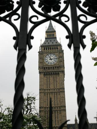 https://imgc.allpostersimages.com/img/posters/general-view-of-the-big-ben-clock-tower_u-L-Q10ORR10.jpg?p=0