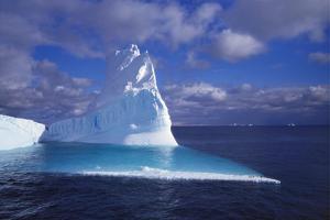 Iceberg, Antartica by Geoff Renner