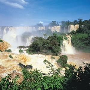 Iguazu Falls, Brazil by Geoff Renner