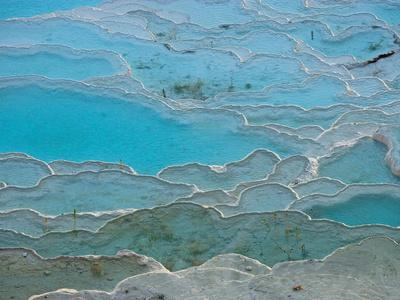 https://imgc.allpostersimages.com/img/posters/geological-formations-of-the-hot-springs-pammukkale-turkey_u-L-P242FA0.jpg?p=0