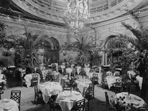 Dining Room in Waldorf-Astoria Hotel in Manhattan by George Boldt