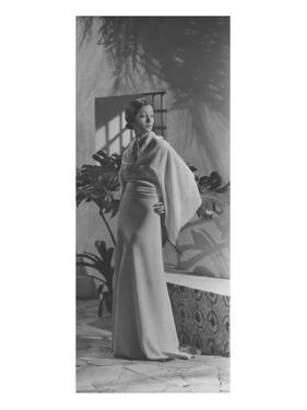 Vogue - May 1933 - Toto Koopman in Kimono Gown by George Hoyningen-Huené