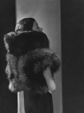 Vogue - October 1933 - Toto Koopman in Fur by George Hoyningen-Huené