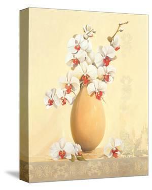 Un Vase Blanc by Gerard Beauvoir