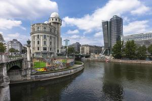 Austria, Vienna, 1. District, Urania, Observatory, Donaukanal (Danube Canal), Uniqa Office Building by Gerhard Wild