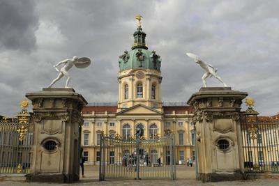 https://imgc.allpostersimages.com/img/posters/germany-berlin-charlottenburg-palace-17th-18th-century_u-L-PW2Z520.jpg?p=0