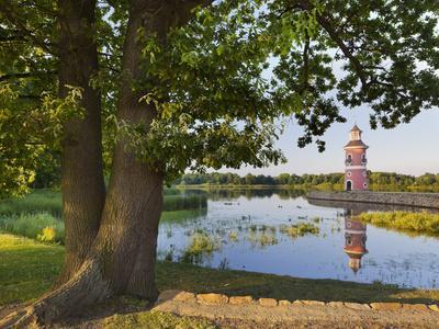 https://imgc.allpostersimages.com/img/posters/germany-dresden-moritzburg-castle-lighthouse_u-L-Q11YPO20.jpg?p=0