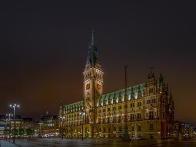https://imgc.allpostersimages.com/img/posters/germany-hamburg-city-centre-rathausmarkt-city-hall_u-L-Q11YRDC0.jpg?p=0