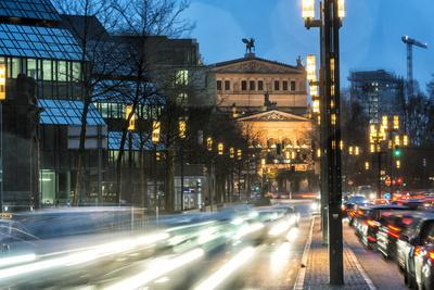 https://imgc.allpostersimages.com/img/posters/germany-hesse-frankfurt-on-the-main-old-opera-taunusanlage-with-evening-rush-hour-at-dusk_u-L-Q11YUY50.jpg?p=0