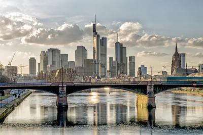 https://imgc.allpostersimages.com/img/posters/germany-hesse-frankfurt-on-the-main-skyline-selective-focus_u-L-Q11YIKV0.jpg?p=0