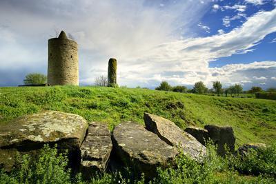 https://imgc.allpostersimages.com/img/posters/germany-saxony-anhalt-langeneichst-dt-big-stone-grave-dolmen-goddess-and-eichst-dter-warte_u-L-Q11YHCY0.jpg?artPerspective=n