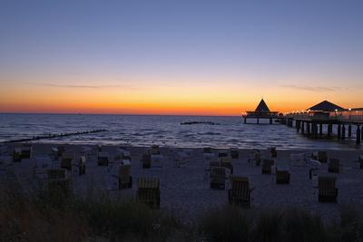 https://imgc.allpostersimages.com/img/posters/germany-the-baltic-sea-island-usedom-heringsdorf-beach-pier-morning-mood_u-L-Q11VJK00.jpg?p=0