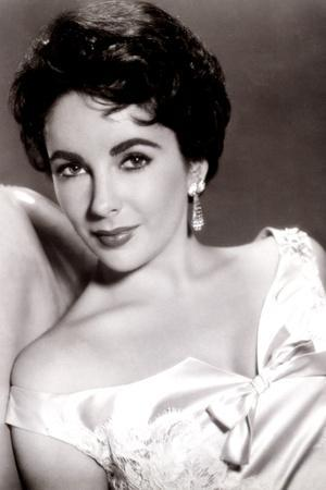 https://imgc.allpostersimages.com/img/posters/giant-elizabeth-taylor-1956_u-L-Q12PE6H0.jpg?artPerspective=n