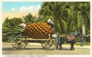 Giant Pineapple on Wagon, Florida