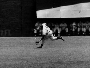 Giants Player, Willie Mays, Running to Catch Ball in Out Field