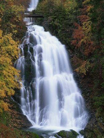 https://imgc.allpostersimages.com/img/posters/giessbach-waterfall-in-autumn-in-the-bernese-oberland-switzerland-europe_u-L-P7XJ0S0.jpg?p=0