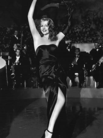 https://imgc.allpostersimages.com/img/posters/gilda-1946-directed-by-charles-vidor-rita-hayworth-b-w-photo_u-L-Q1C3QA60.jpg?artPerspective=n