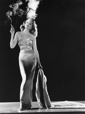 GILDA, 1946 directed by CHARLES VIDOR Rita Hayworth (b/w photo)