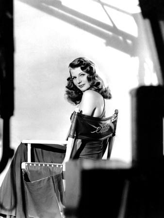 https://imgc.allpostersimages.com/img/posters/gilda-1946-directed-by-charles-vidor-rita-hayworth-b-w-photo_u-L-Q1C3XUS0.jpg?artPerspective=n
