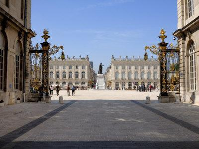 https://imgc.allpostersimages.com/img/posters/gilded-wrought-iron-gates-by-jean-lamor-place-stanislas-nancy-lorraine-france_u-L-P7X2380.jpg?p=0