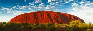 Uluru (Ayers Rock), Uluru-Kata Tjuta Nat'l Park, UNESCO World Heritage Site, Australia by Giles Bracher