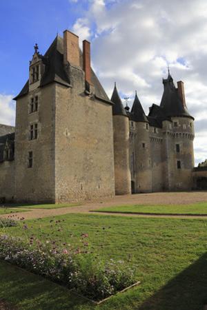 Château de Fougères-sur-Bièvre, ensemble nord ouest by Gilles Codina