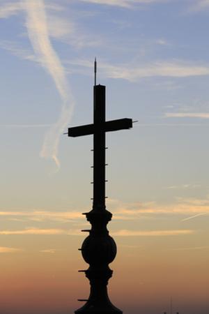 Panthéon, croix couronnant le lanternon by Gilles Codina