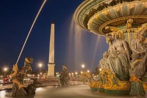 Place de la Concorde, fountains, Paris (8th arrondissement). August 30, 2013 by Gilles Targat