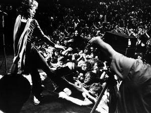 Gimme Shelter, Mick Jagger, 1970, Performing Onstage