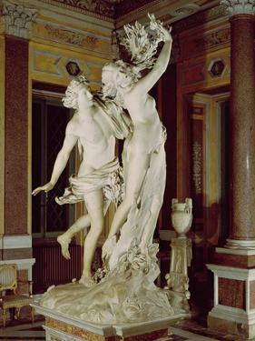Apollo and Daphne, 1622-25 (Marble) by Giovanni Lorenzo Bernini