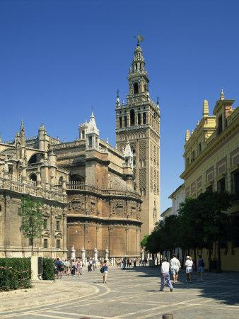 https://imgc.allpostersimages.com/img/posters/giralda-tower-in-the-city-of-seville-andalucia-spain-europe_u-L-P7NKO00.jpg?artPerspective=n