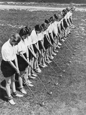 Girls' golf class, The American Golfer April 1932