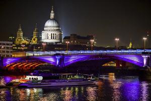 Thames II by Giuseppe Torre