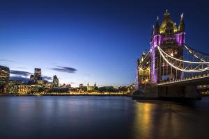Tower Bridge 2 by Giuseppe Torre