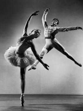 """Alicia Alonso and Igor Youskevitch in the American Ballet Theater Production of """"The Nutcracker"""" by Gjon Mili"""